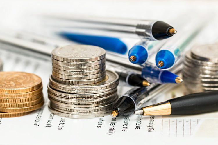 Czy warto kupować długopisy reklamowe?